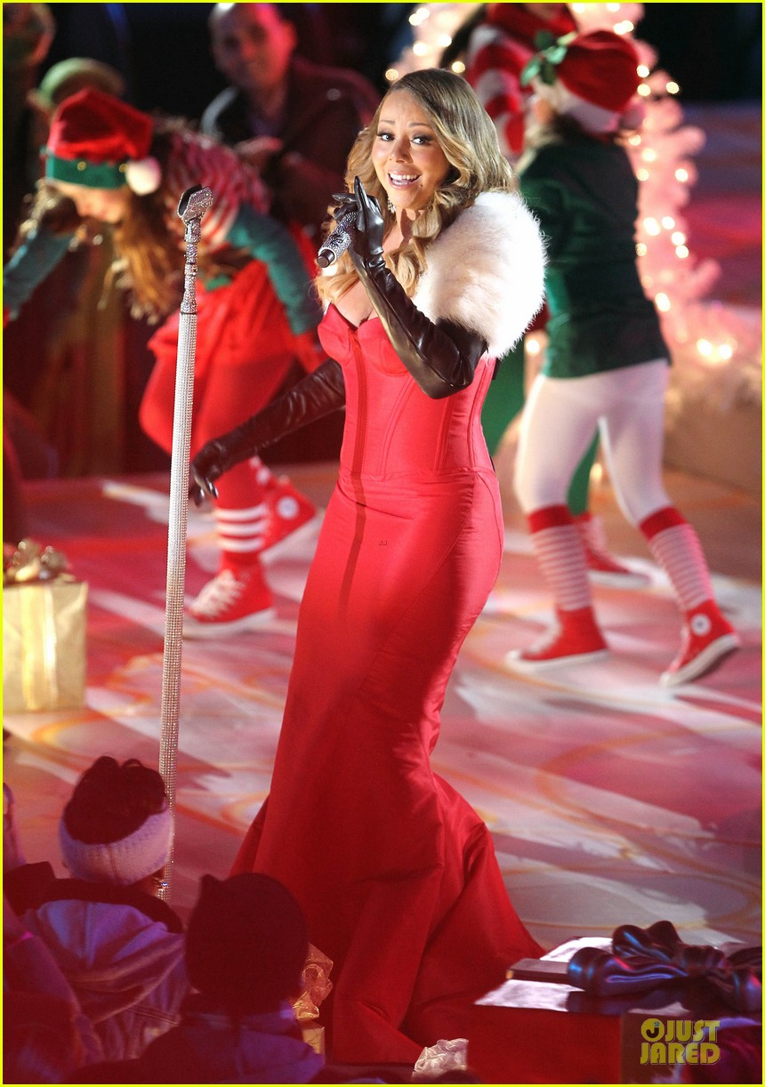 mariah carey rockfeller center christmas tree lighting 2013 performer 053004628