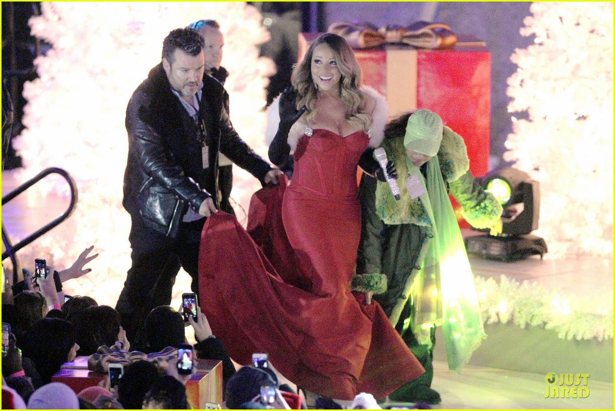 mariah carey rockfeller center christmas tree lighting 2013 performer 153004638