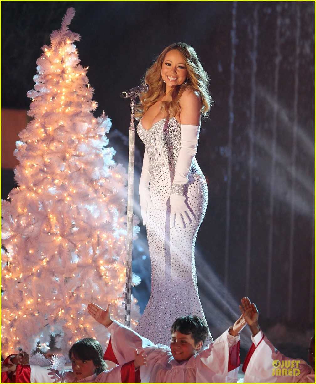 mariah carey rockfeller center christmas tree lighting 2013 performer 243004647