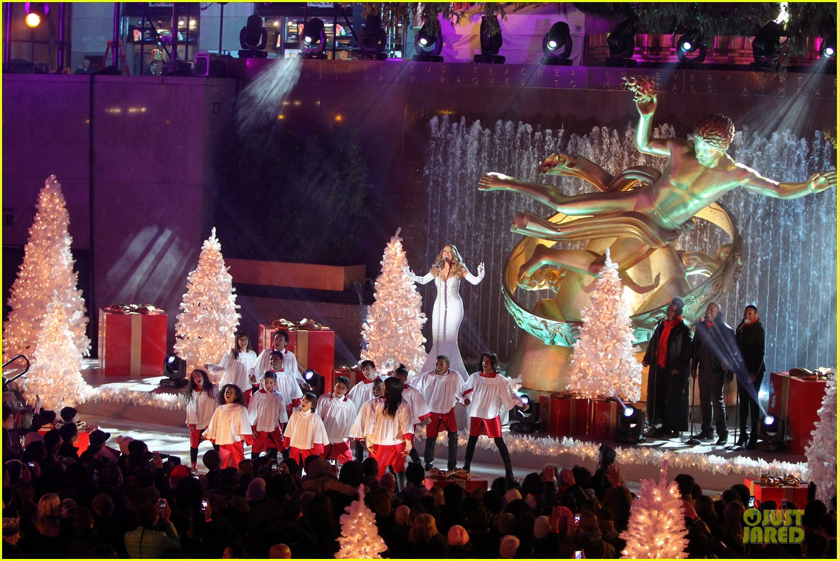 mariah carey rockfeller center christmas tree lighting 2013 performer 293004652
