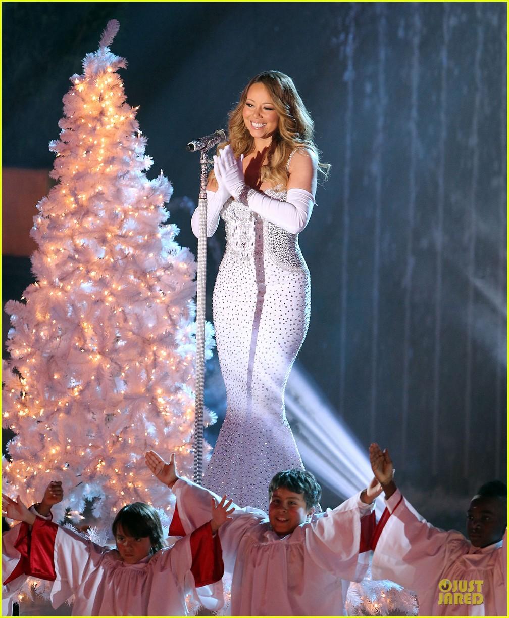 mariah carey rockfeller center christmas tree lighting 2013 performer 323004655