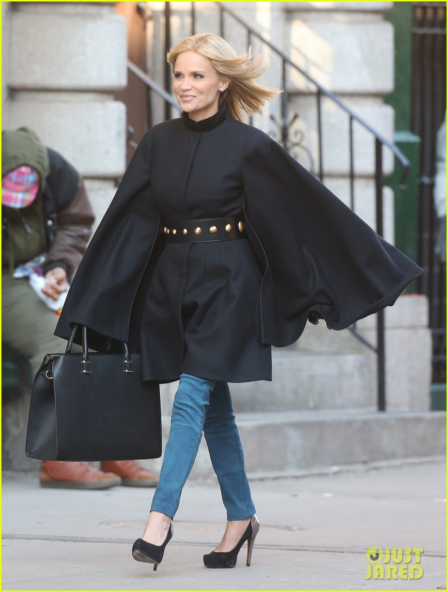 kristin chenoweth makes fashion statement at photo shoot 013013635