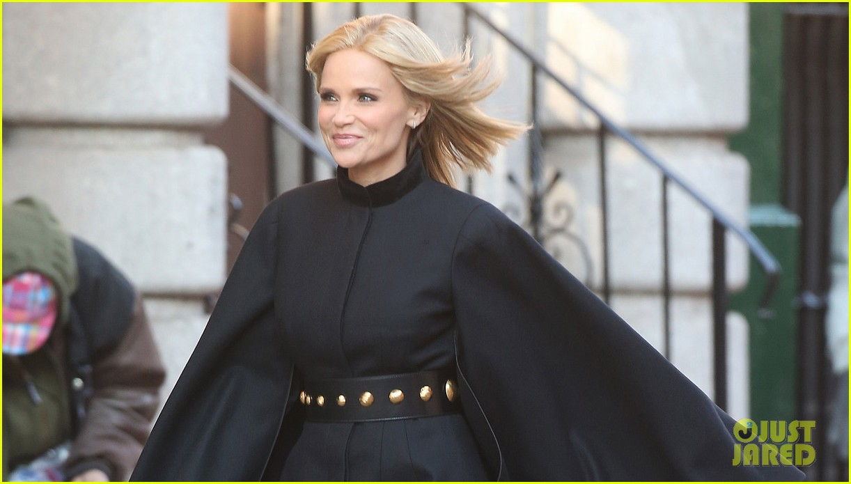 kristin chenoweth makes fashion statement at photo shoot 033013637
