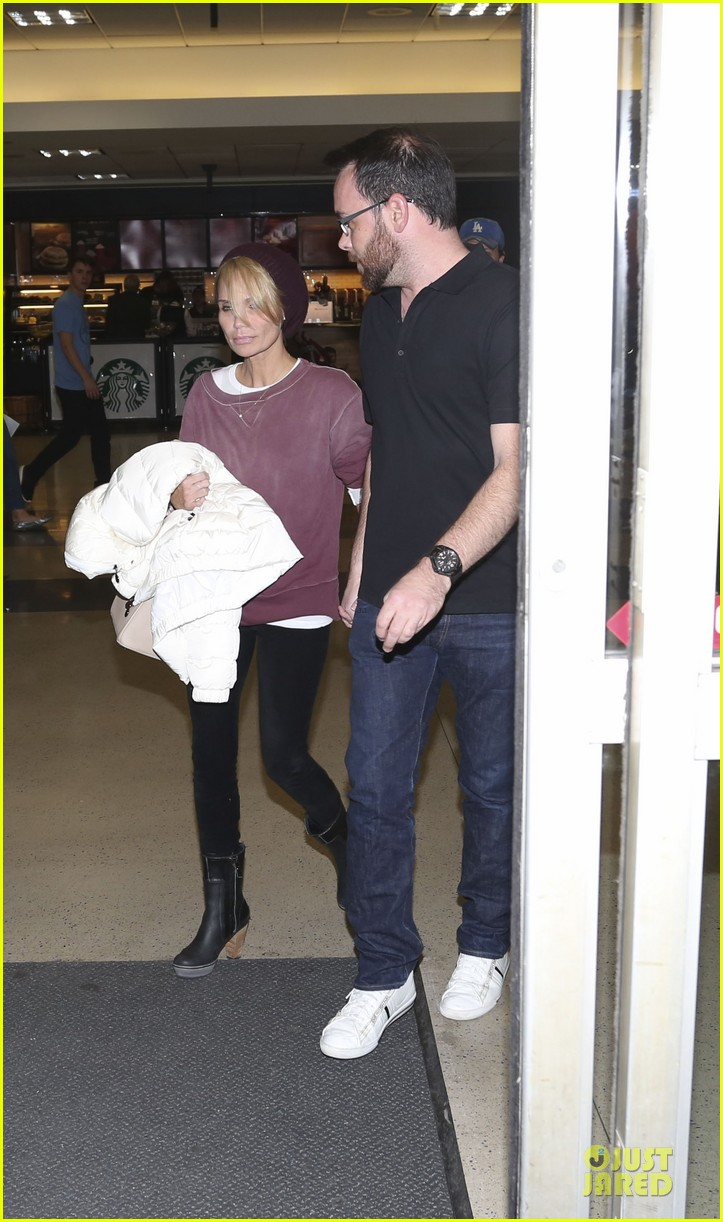 kristin chenoweth lax airport pick up from dana brunetti 213018777