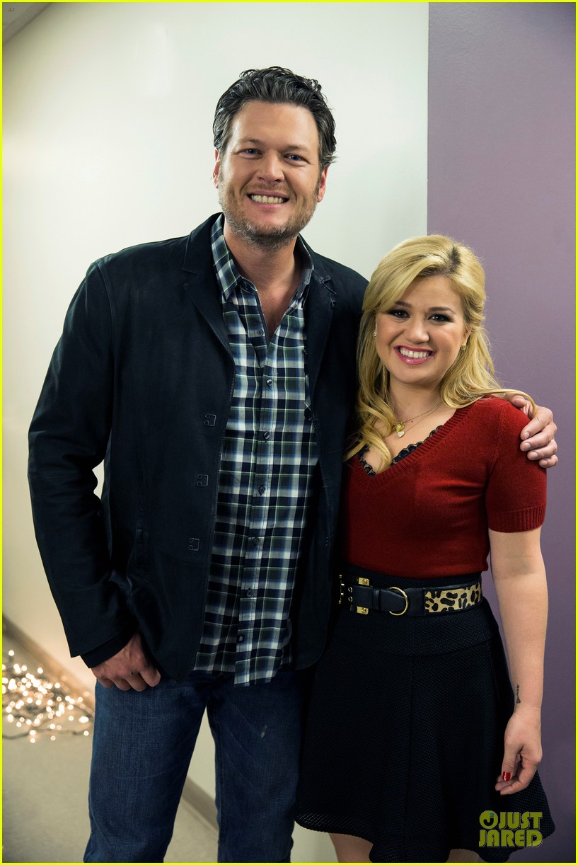 kelly clarkson cautionary christmas music tale airs december 11 043003698