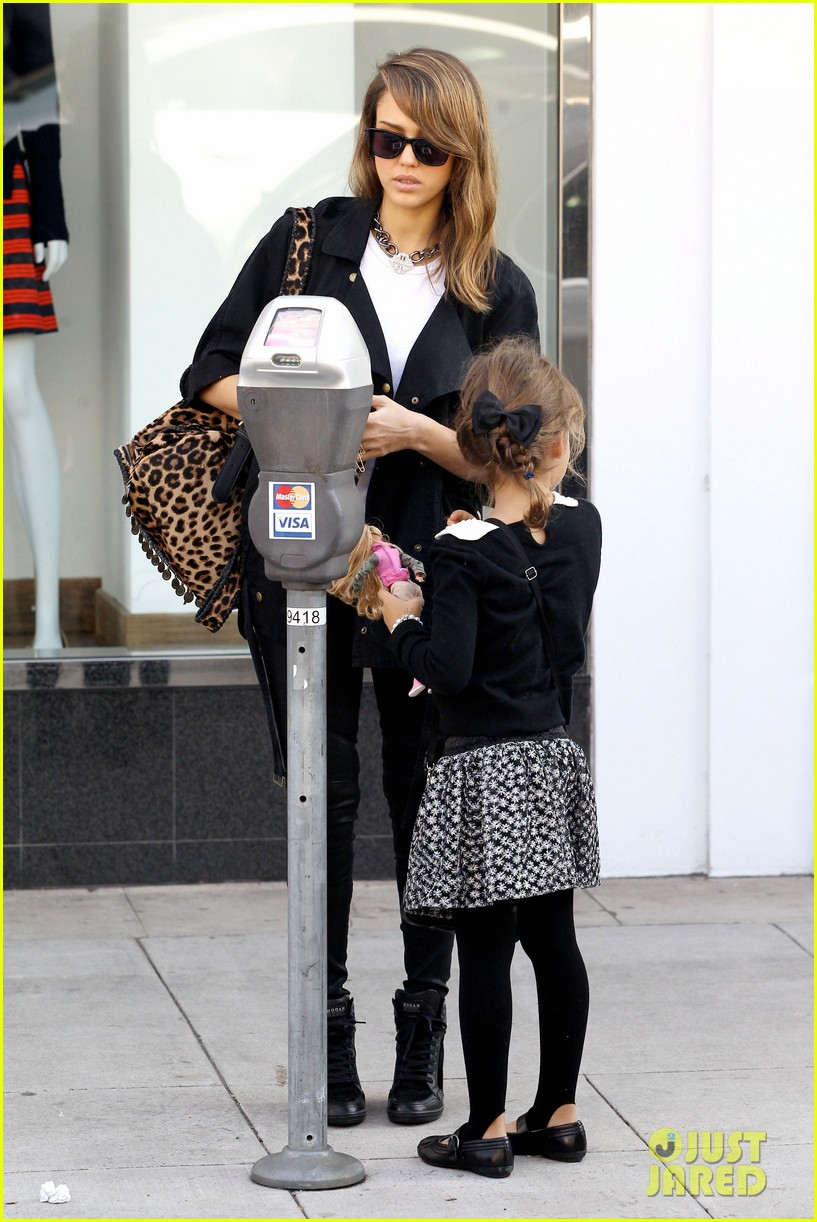 kelly clarkson thanks jessica alba for honest baby gifts 013016465