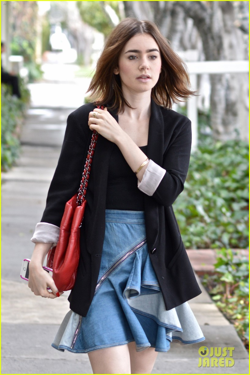lily collins doesnt know if second mortal instruments movie wll happen 043003587