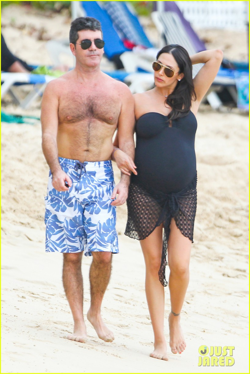 simon cowell shirtless beach stroll with pregnant girlfriend lauren silverman 053017991