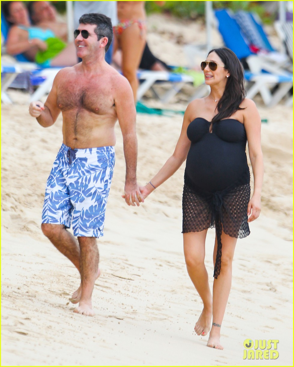 simon cowell shirtless beach stroll with pregnant girlfriend lauren silverman 08