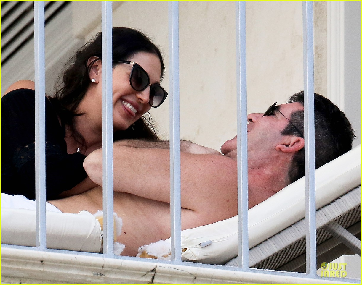 simon cowell amp lauren silverman kissing amp cuddling pair