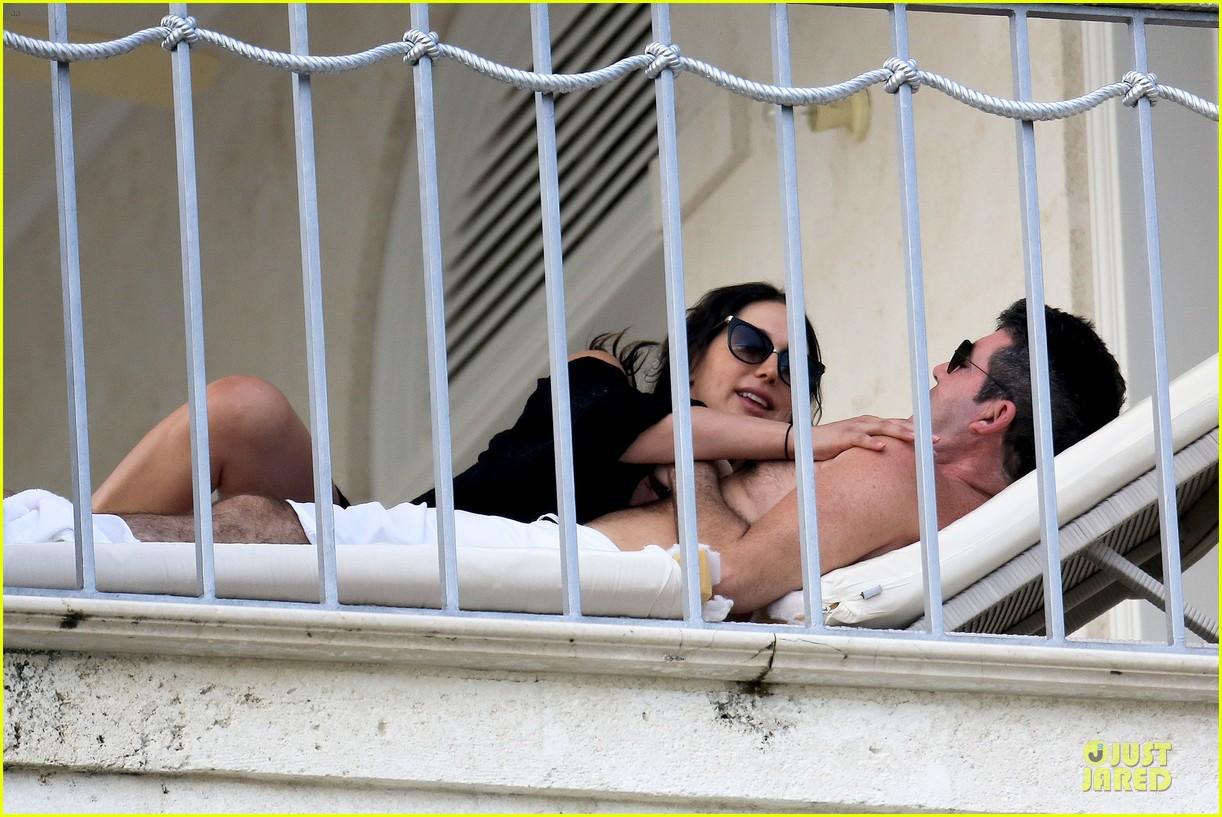 simon cowell lauren silverman kissing cuddling pair 153020082