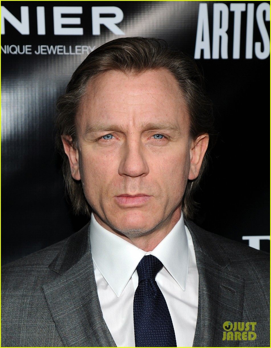 daniel craig artists for peace justice nyc holiday benefit 023009397