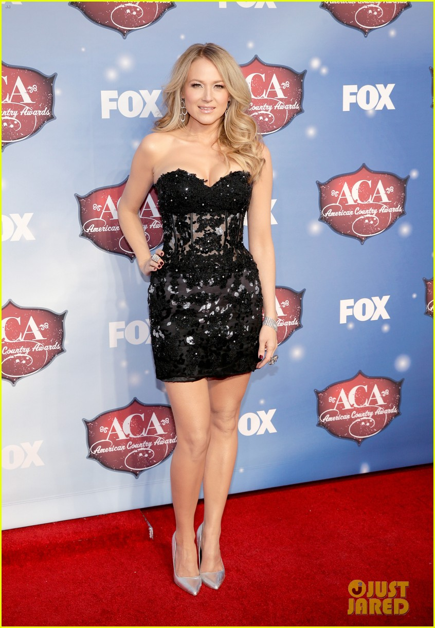 jewel sheryl crow acas 2013 red carpet 103009313
