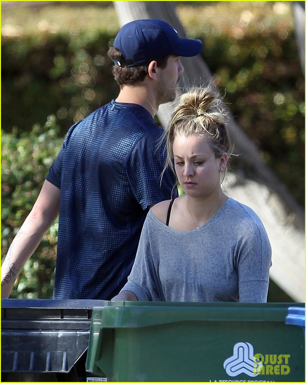 kaley cuoco ryan sweeting celebrate first christmas together 033017976