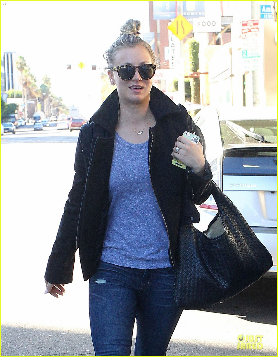 kaley cuoco hair appointment before the new year 043018559