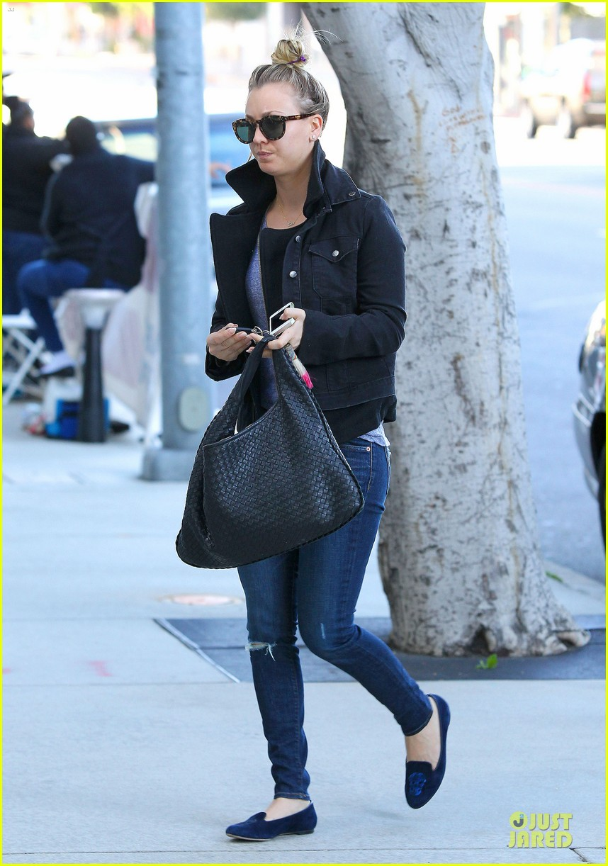 kaley cuoco hair appointment before the new year 093018564