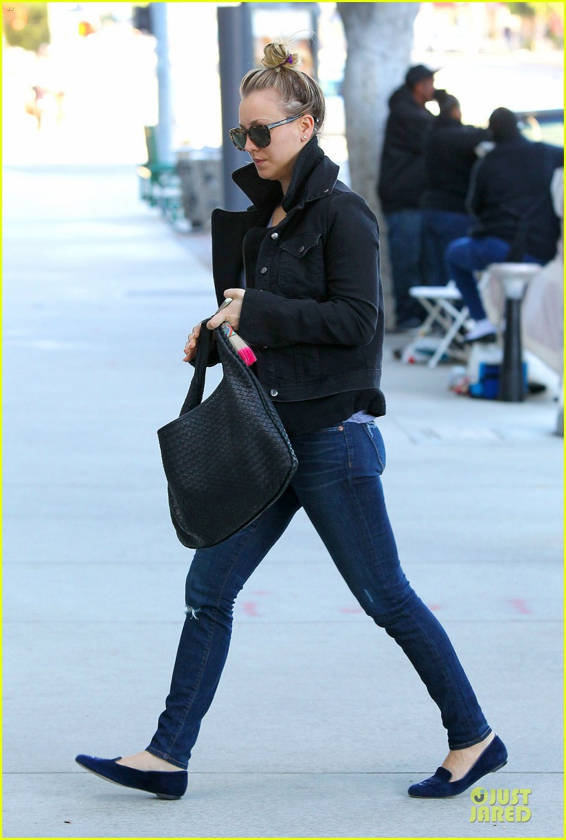 kaley cuoco hair appointment before the new year 113018566