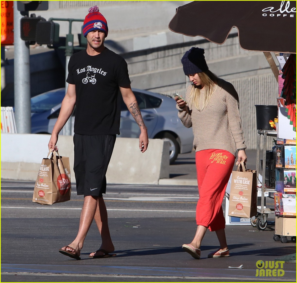 kaley cuoco ryan sweeting whole foods twosome 103012837