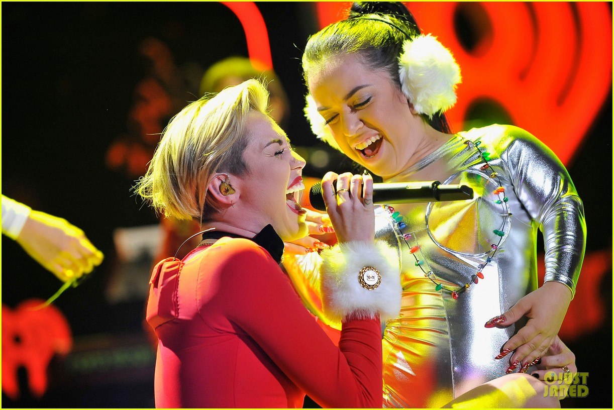miley cyrus backstage at power 961 jingle ball 2013 163010330