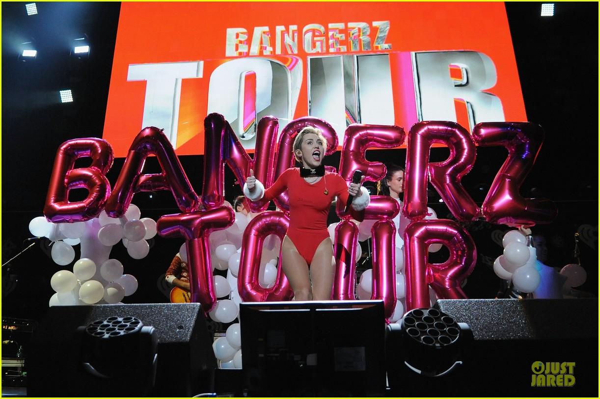 miley cyrus backstage at power 961 jingle ball 2013 253010339