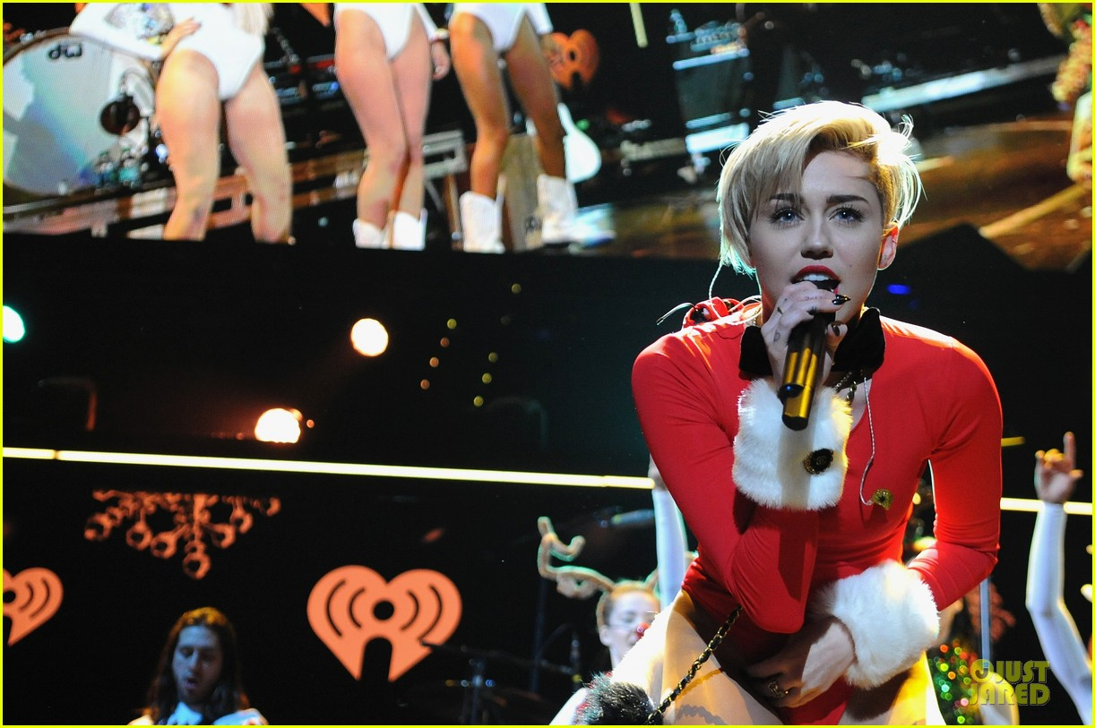 miley cyrus backstage at power 961 jingle ball 2013 263010340