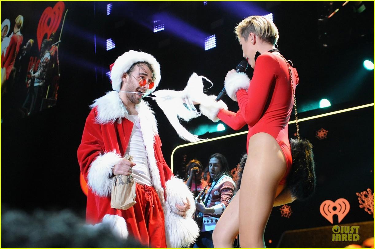 miley cyrus backstage at power 961 jingle ball 2013 283010342