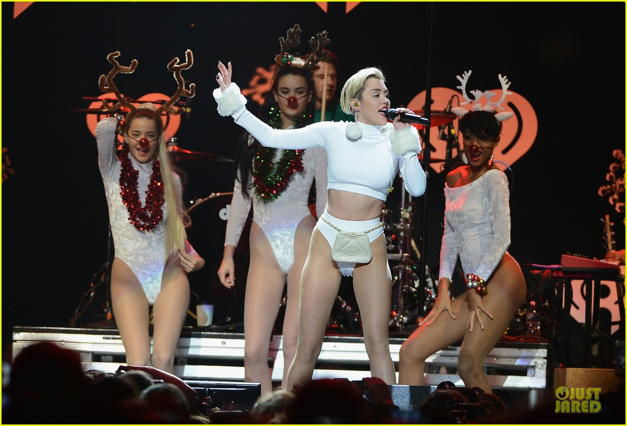 miley cyrus white hot for hot 995 jingle ball 2013 023013416