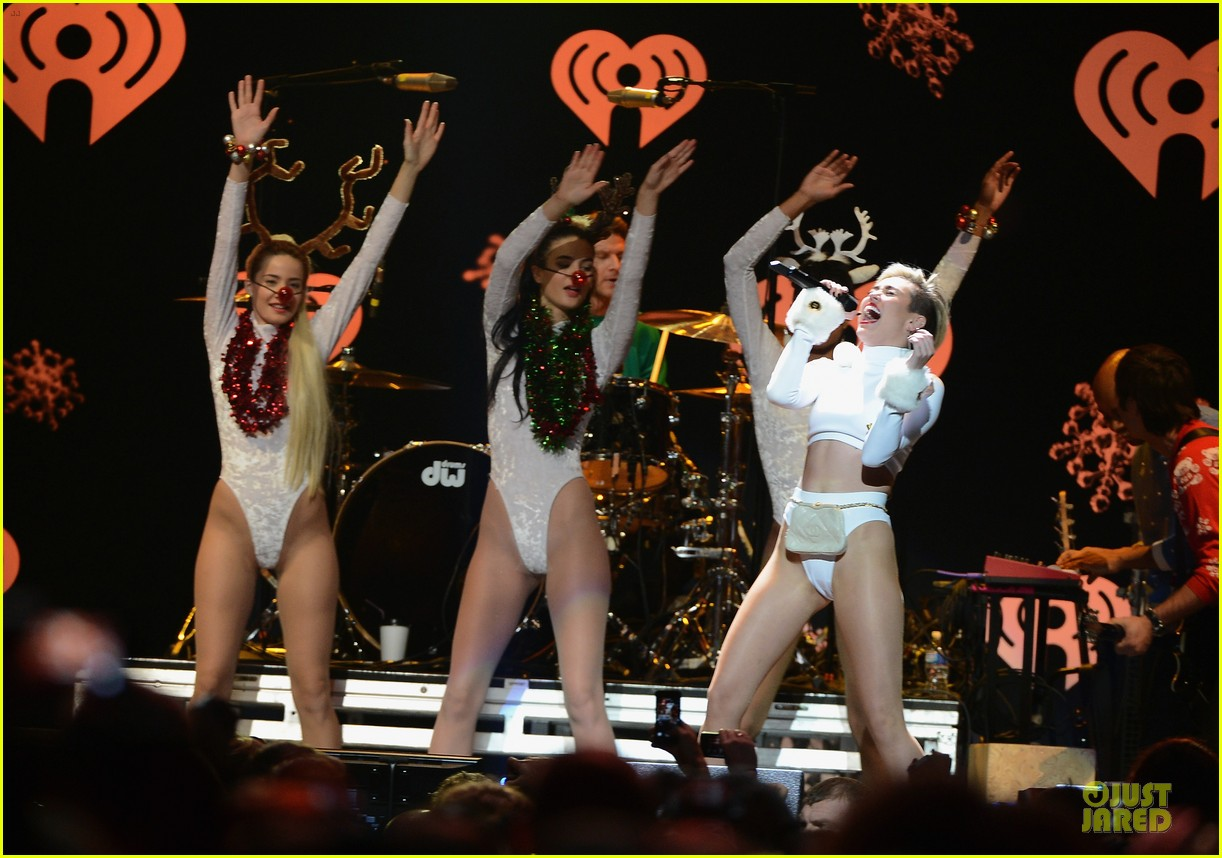 miley cyrus white hot for hot 995 jingle ball 2013 073013421