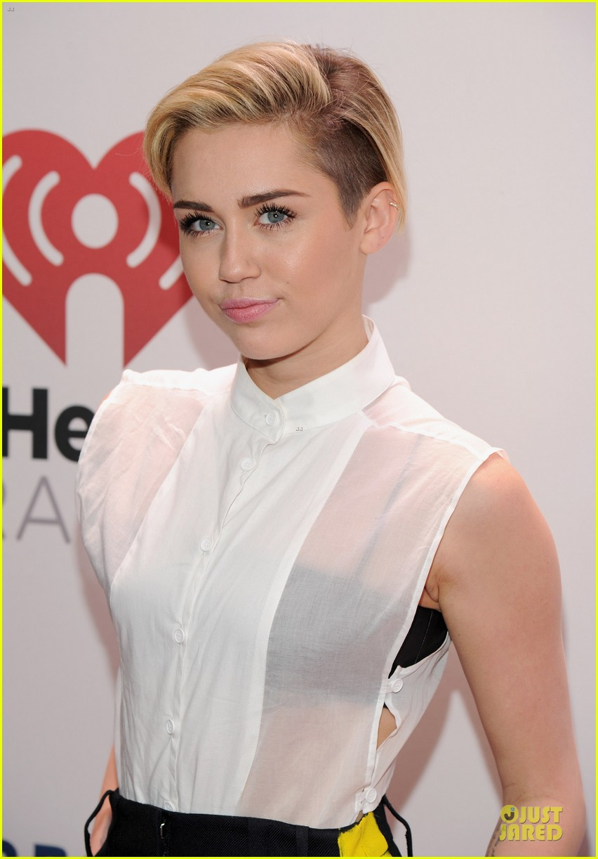 miley cyrus sheer top at z100 jingle ball 043011721