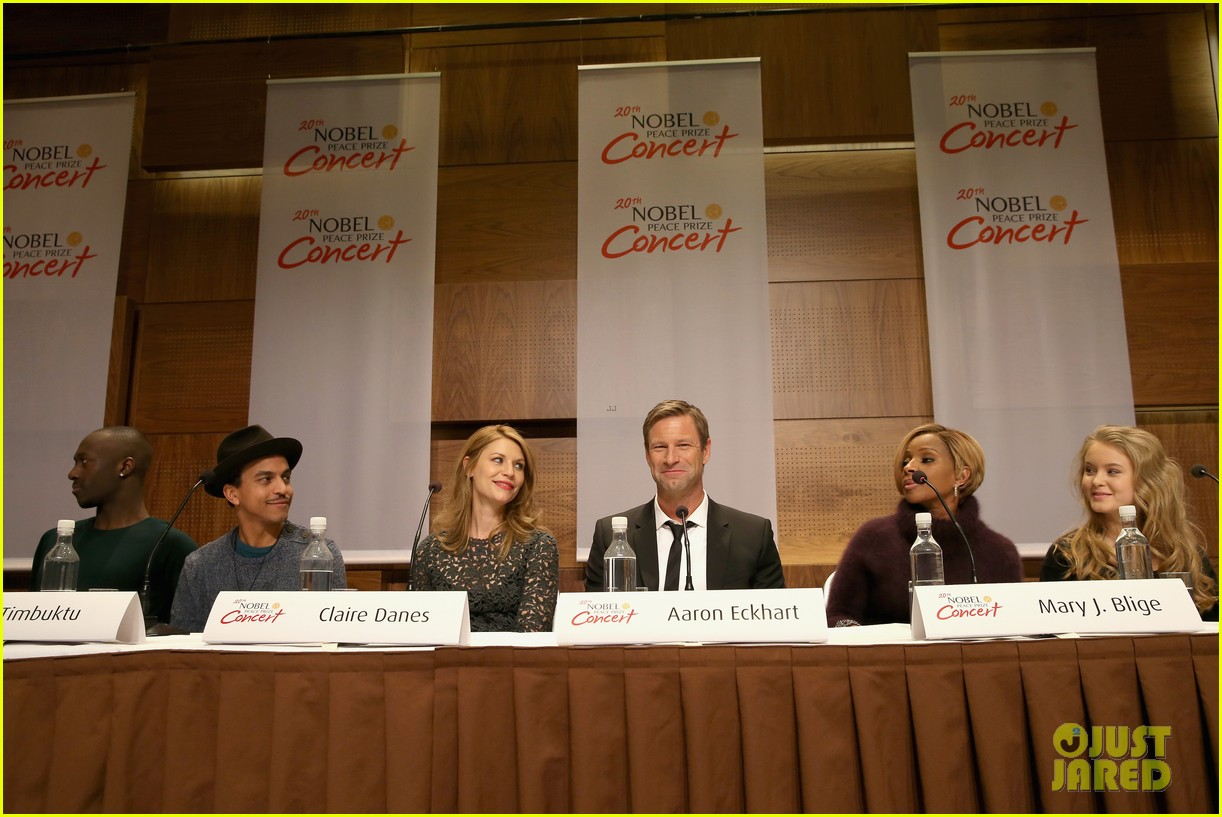claire danes nobel peace prize ceremony conference 133009802