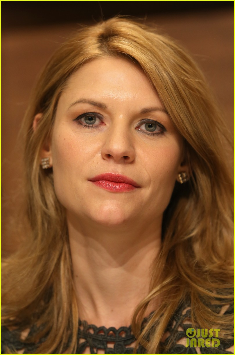claire danes nobel peace prize ceremony conference 19