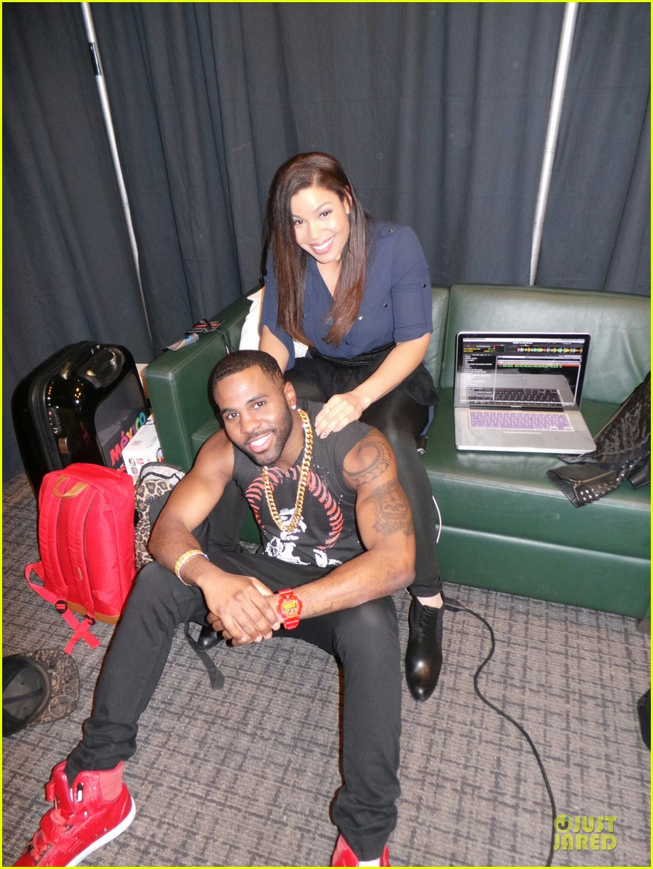 jason derulo backstage massage from jordin sparks at z100 jingle ball 2013 exclusive 013011619