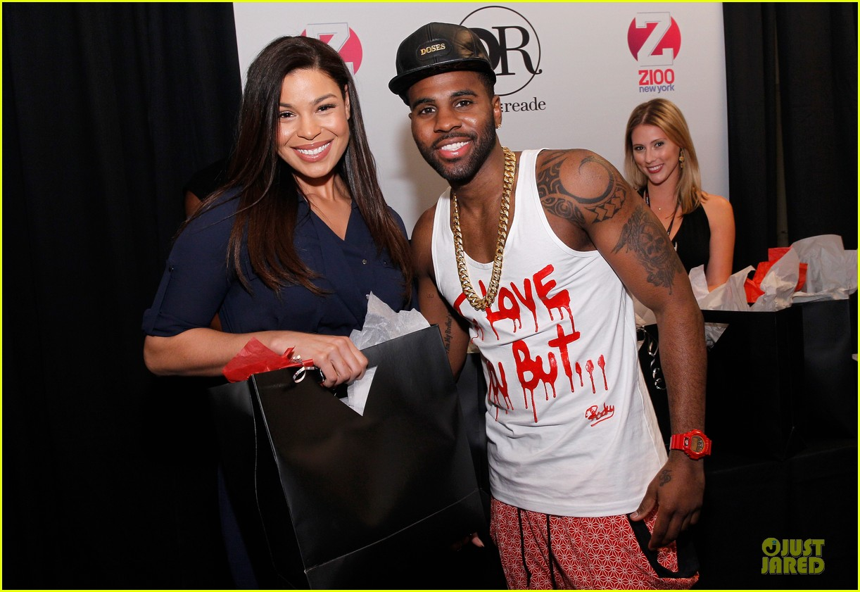 jason derulo backstage massage from jordin sparks at z100 jingle ball 2013 exclusive 093011627
