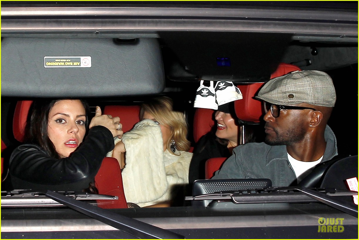 taye diggs hollywood club exit with three gal pals 043018977