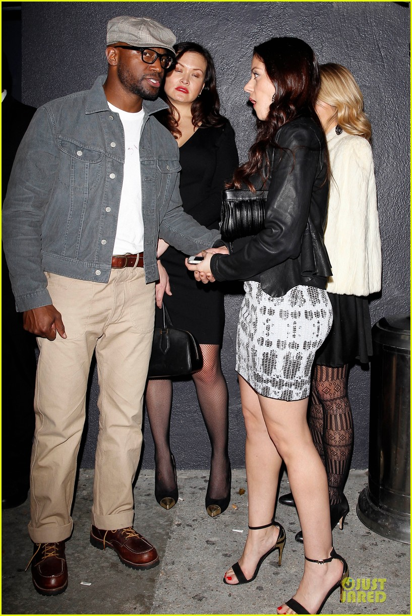 taye diggs hollywood club exit with three gal pals 06