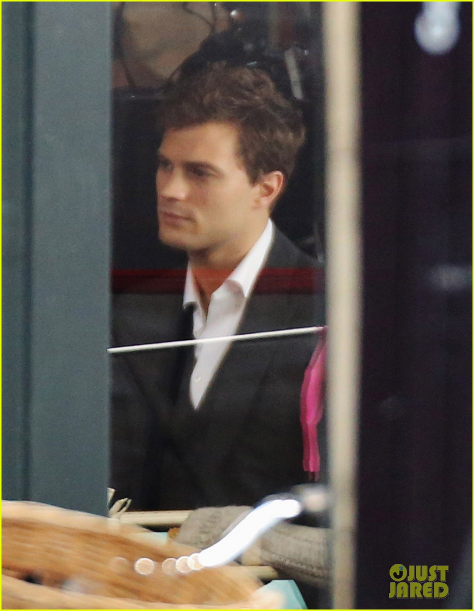 jamie dornan filming fifty shades of grey first photos on set 033002963