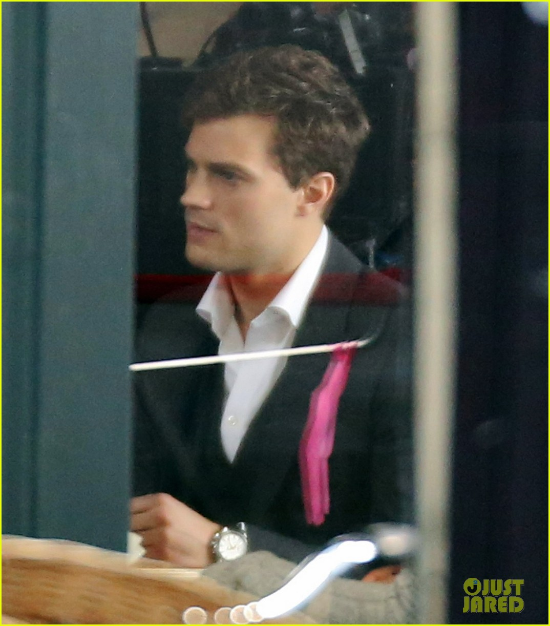 jamie dornan filming fifty shades of grey first photos on set 083002968