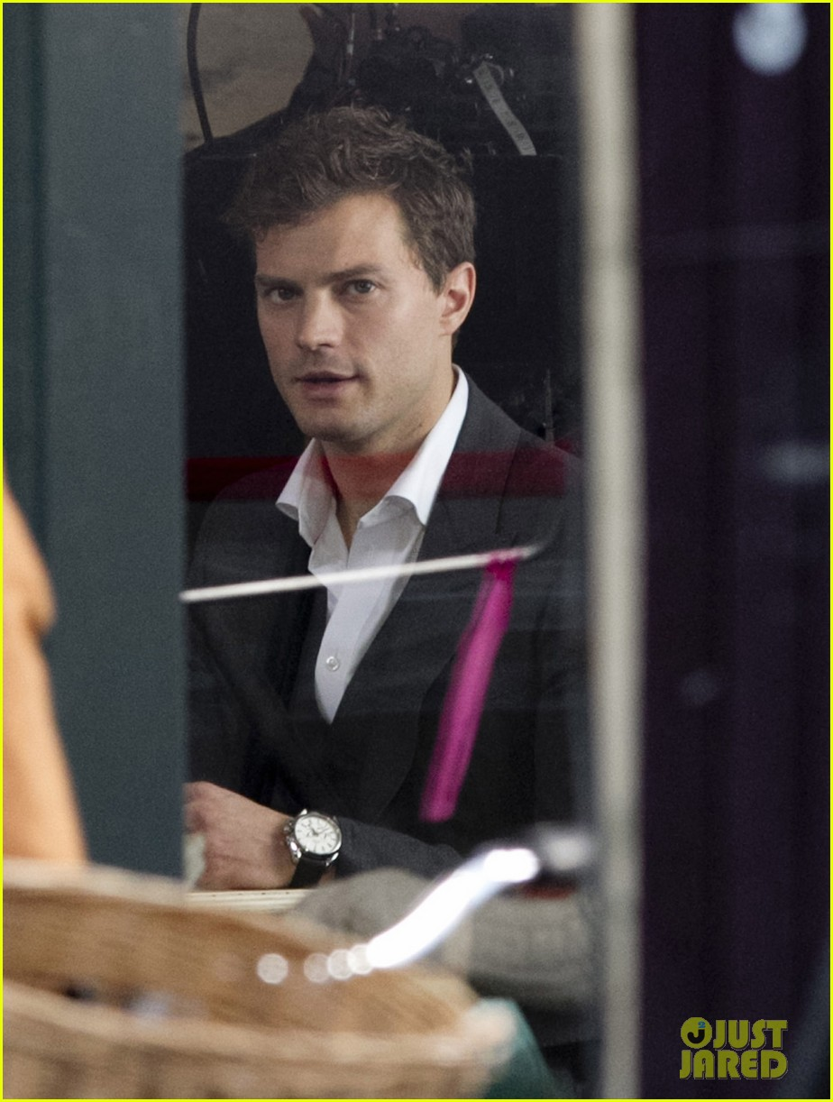 jamie dornan filming fifty shades of grey first photos on set 093002969