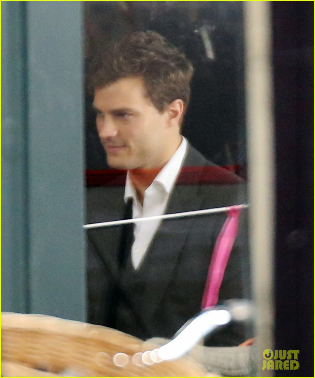jamie dornan filming fifty shades of grey first photos on set 153002975