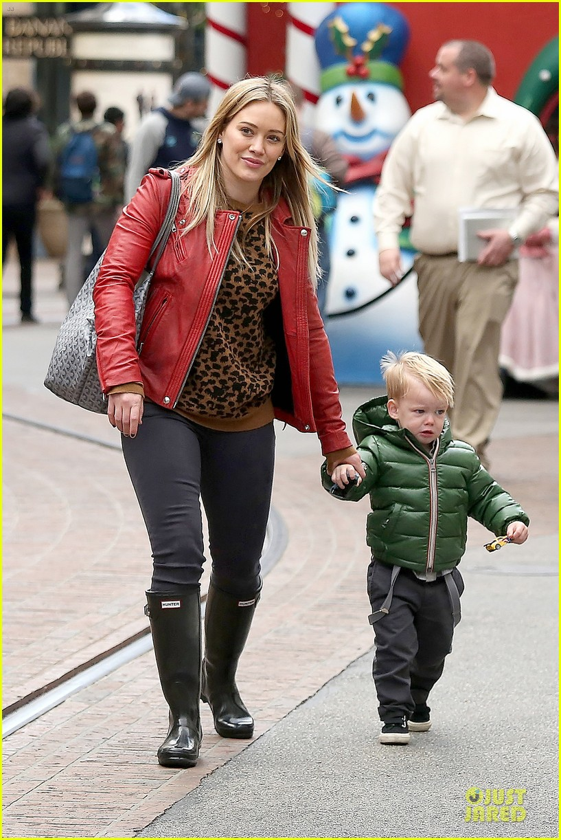 hilary duff santa claus visit with luca 103015773