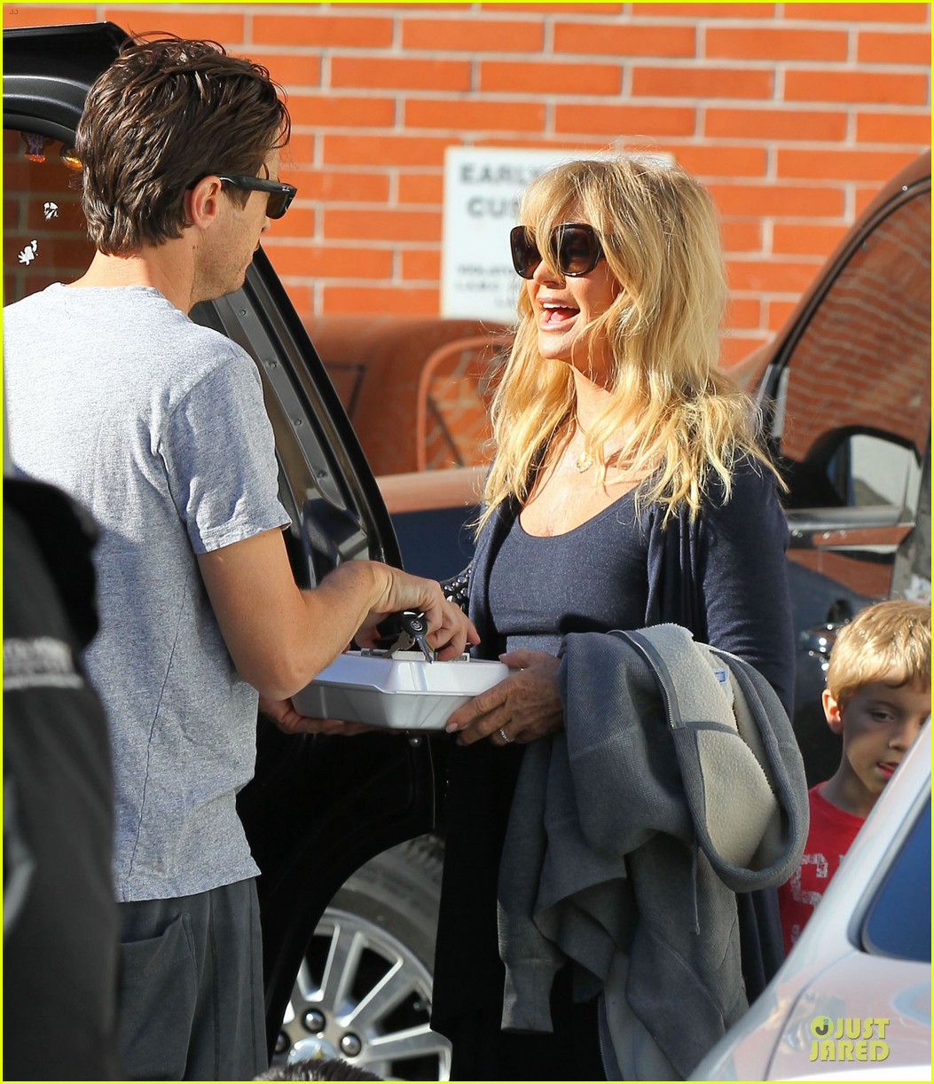 josh duhamel axl early world cafe with goldie hawn 243012032