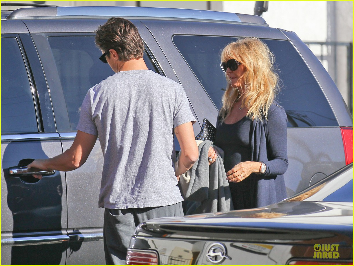 josh duhamel axl early world cafe with goldie hawn 253012033