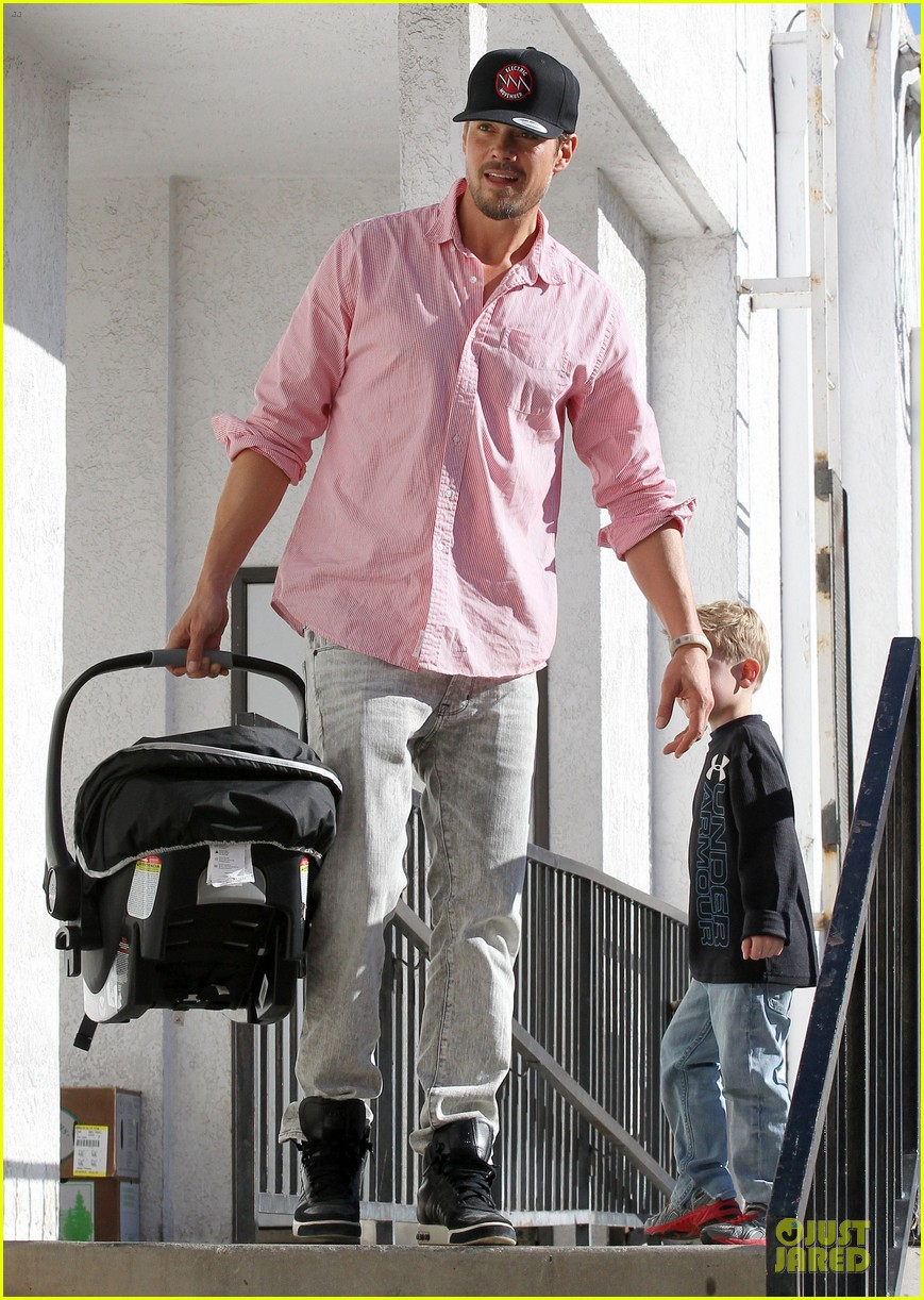 josh duhamel axl early world cafe with goldie hawn 283012036