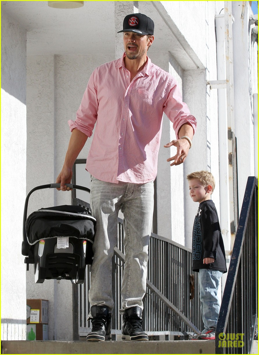 josh duhamel axl early world cafe with goldie hawn 293012037