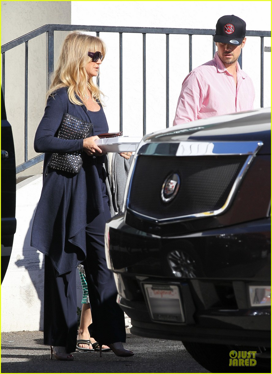 josh duhamel axl early world cafe with goldie hawn 333012041