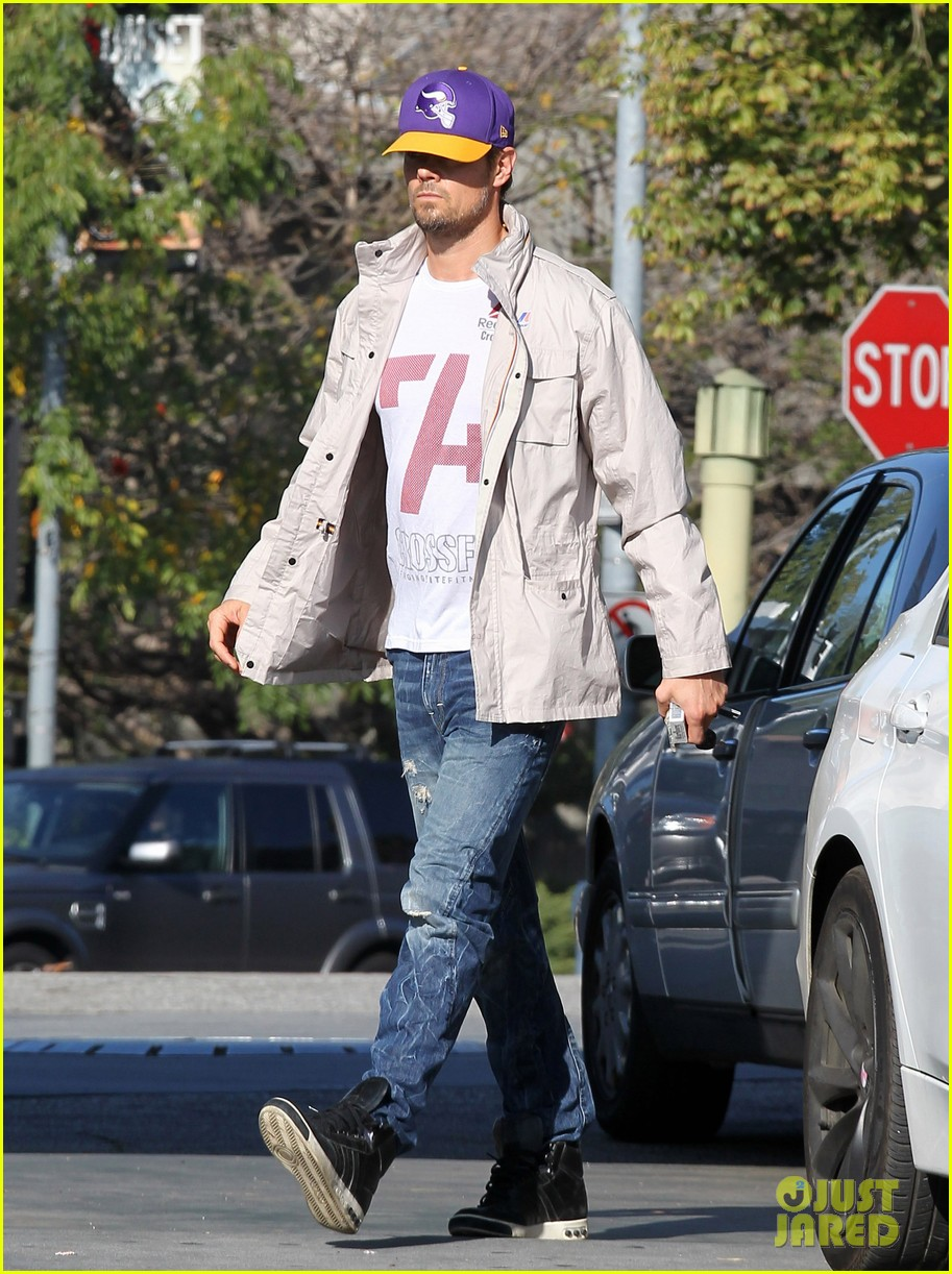 josh duhamel my heart goes out to the philippenes 013016621