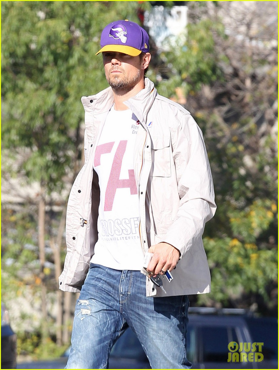 josh duhamel my heart goes out to the philippenes 07