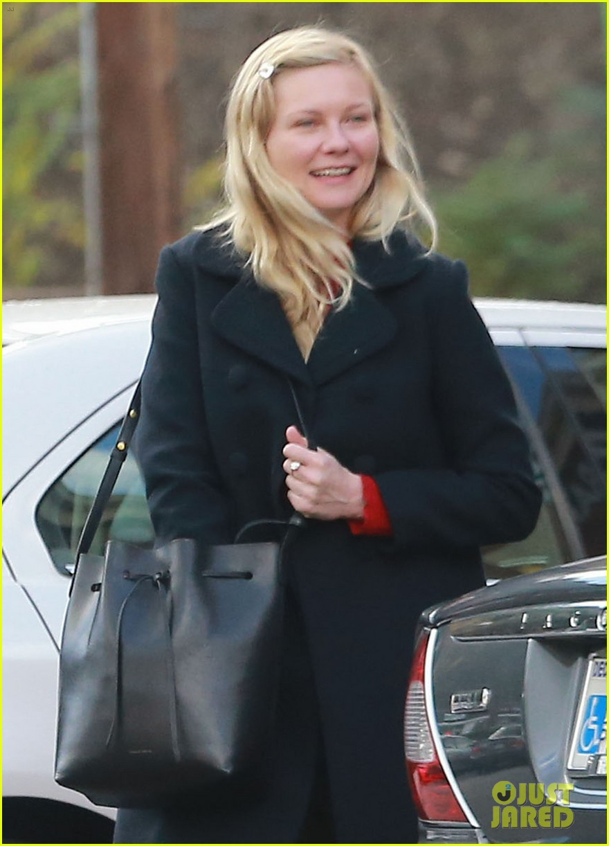 kirsten dunst saturday shopping mom inez 023007738