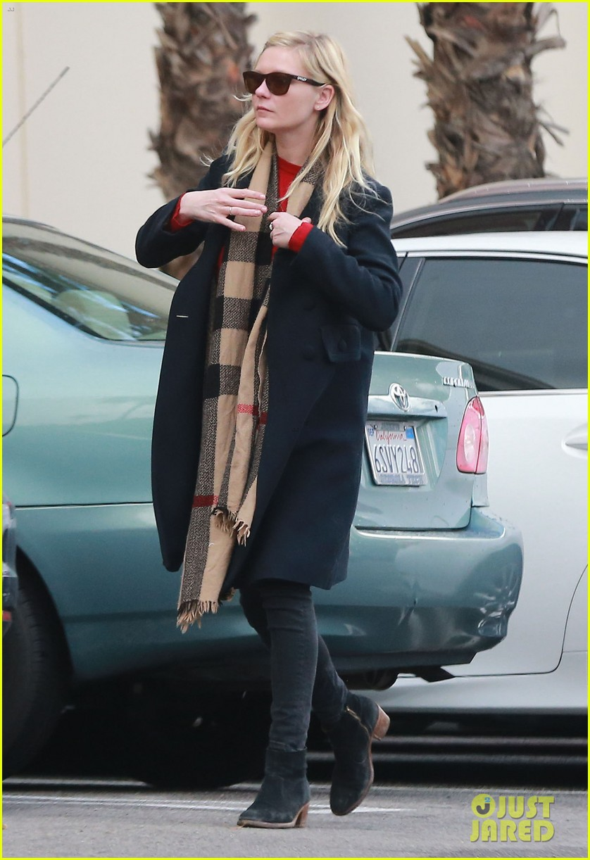 kirsten dunst saturday shopping mom inez 073007743