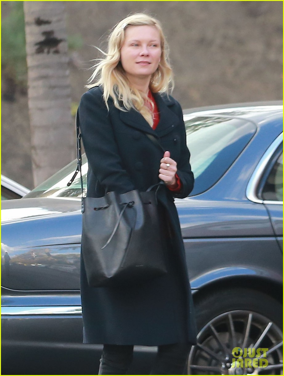 kirsten dunst saturday shopping mom inez 10